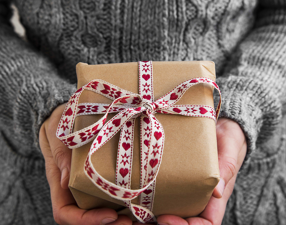 12 Easy DIY Holiday Gift Ideas For Everyone On Your List