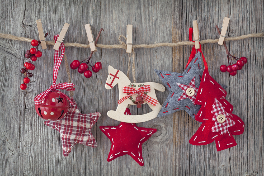 Simple and Fun DIY Winter Crafts For All Ages