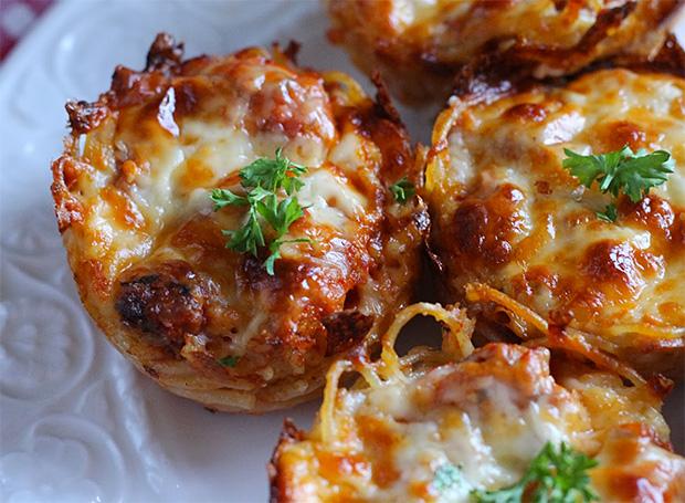 spaghetti pie muffins