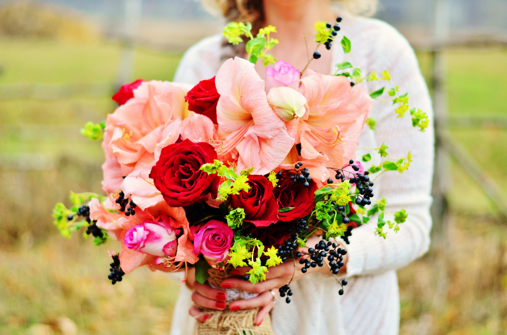 How To Turn Your Gorgeous Fresh Flowers Into A Beautiful Summer Bouquet