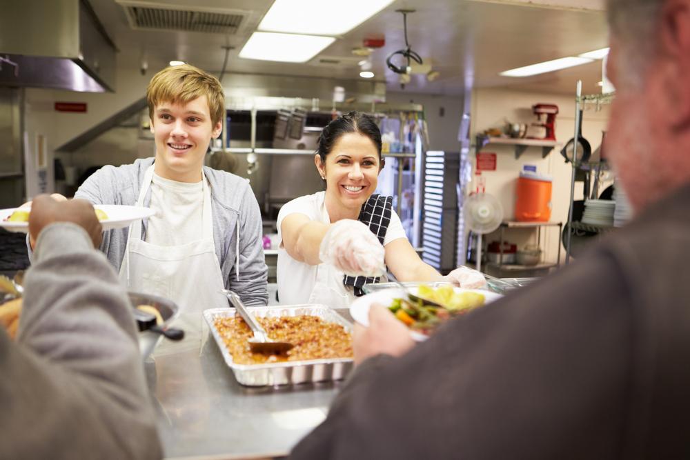 teen volunteer kitchen