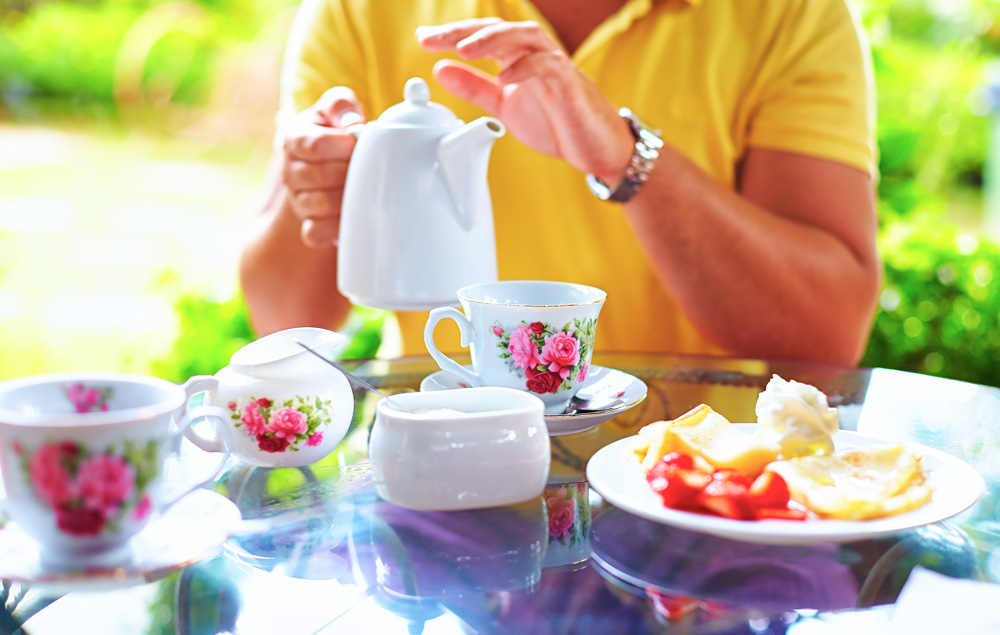 How to throw an English tea party at home