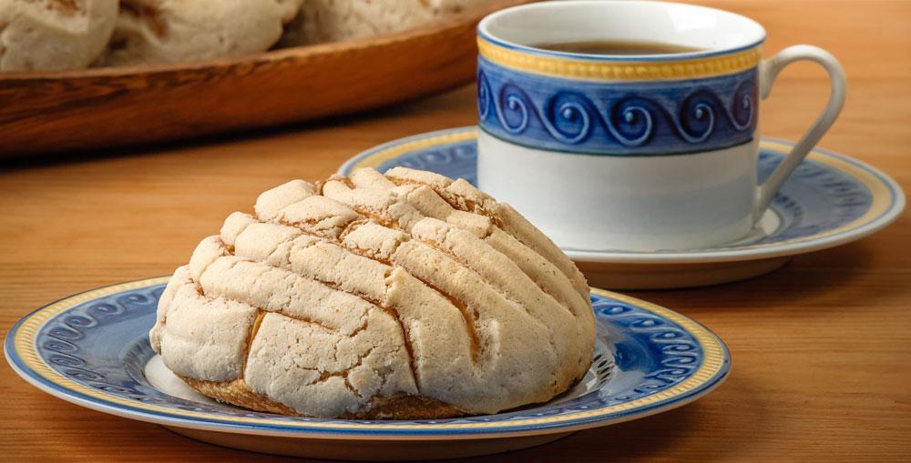 Concha bread is a traditional sweet for el dia de los muertos